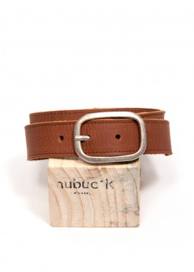Cinturón de cuero marrón...
