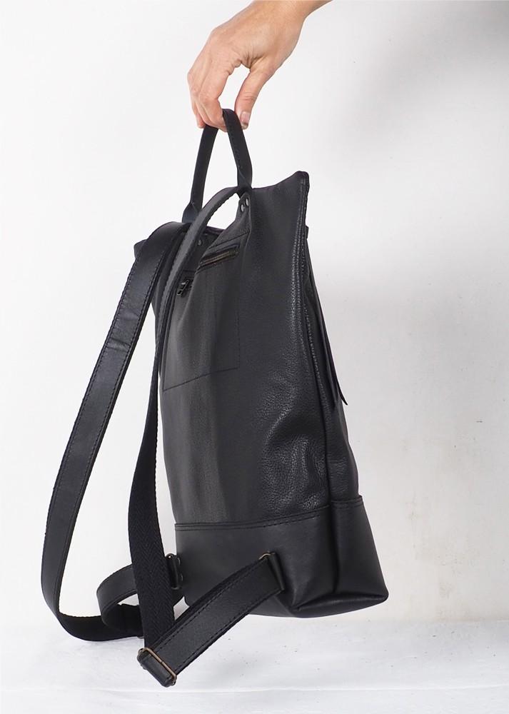 Shoulder leather bag · Red cabat Hibrid